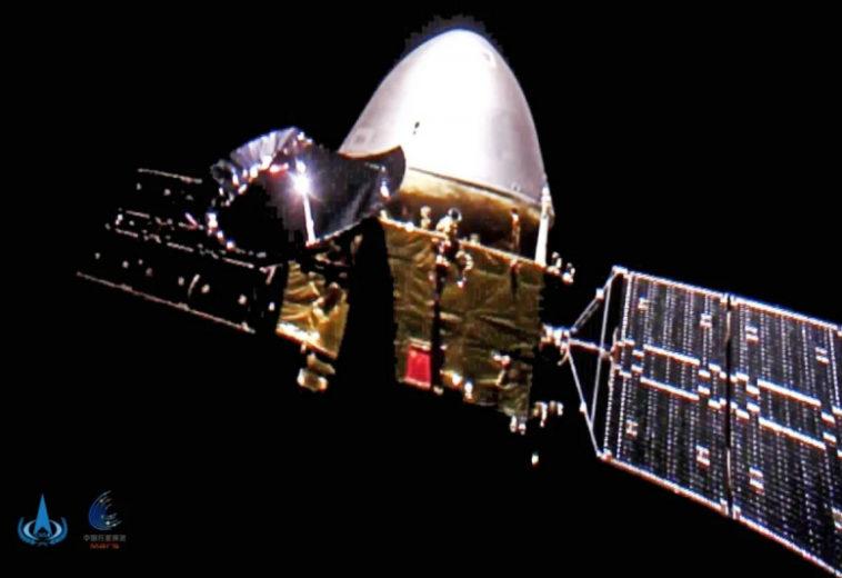 Китайская космическая станция в полете к Марсу сделала селфи в дальнем космосе отстрелив камеру ради нескольких фото