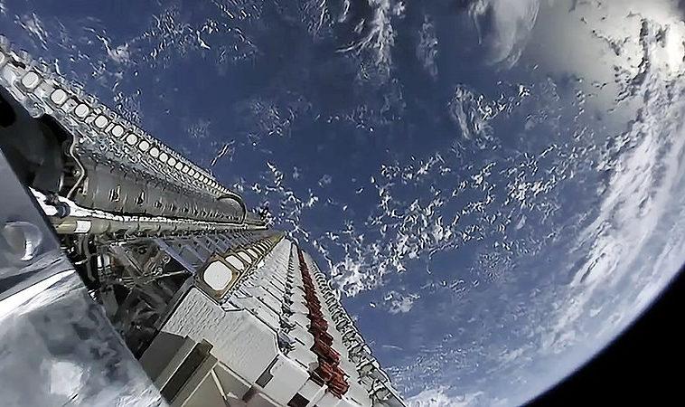 SpaceX сформировала группировку спутников для публичного бета-теста Starlink