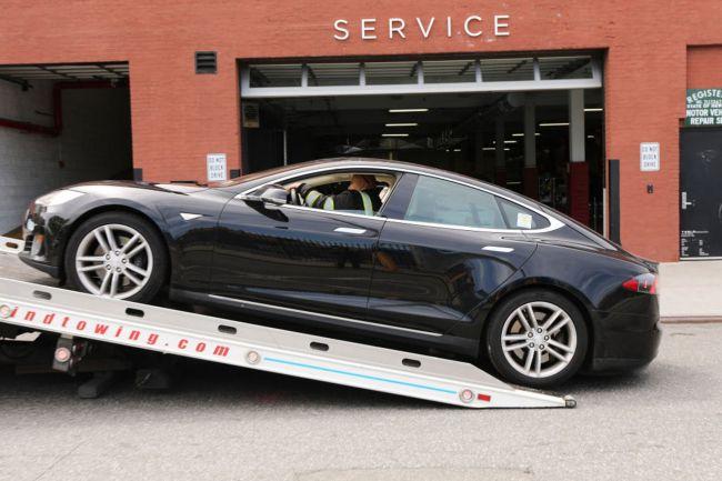 Tesla признала наличие проблемы с деградацией модуля памяти eMMC в Model S и X, произведенных до марта 2018 года