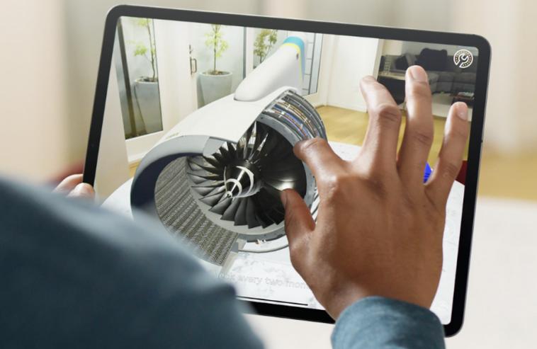 Инженеры Apple консультируют китайских работников с помощью iPad с дополненной реальностью