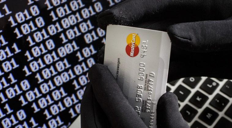 Российские банки просят изменить УК и сажать исполнителей за кражу данных клиентов в тюрьму на срок до 20 лет