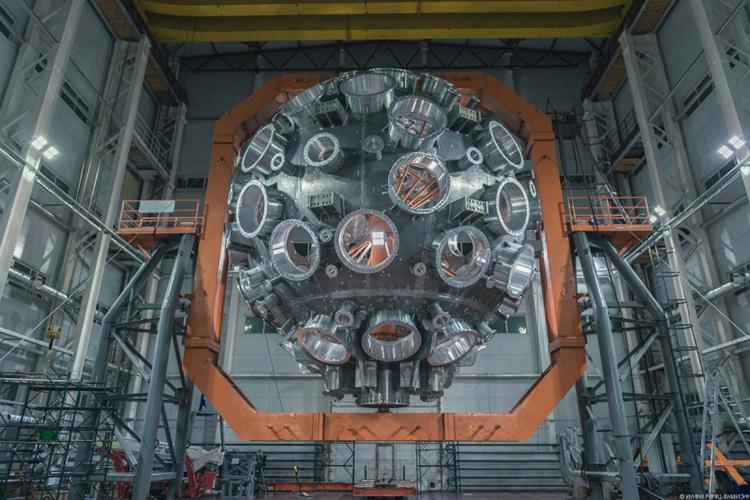 В России запустили первый модуль самого мощного в мире лазера