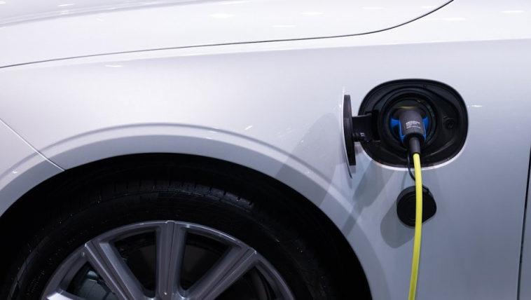 Google добавила в Maps навигацию по зарядкам для электромобилей