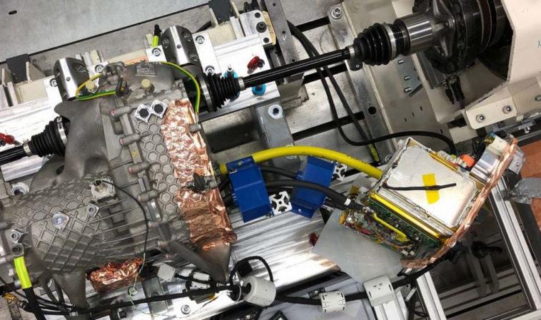 Porsche печатает на 3D-принтере корпуса электроприводов, которые легче и прочнее обычных
