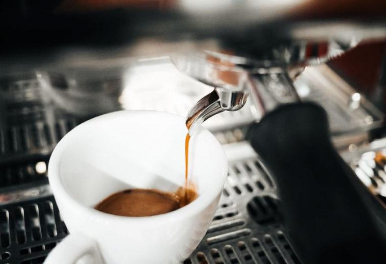 Регулярное употребление кофеина изменяет структуру мозга