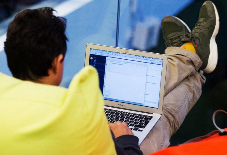 Минцифры предложило поднять планку доходов самозанятых программистов вдвое