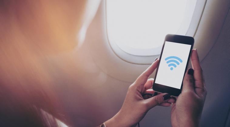 Российские авиакомпании предложат платный Wi-Fi на коротких авиарейсах
