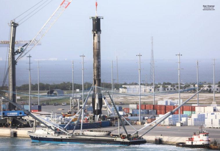 В доке впервые восстанавливают сразу две ступени Falcon 9