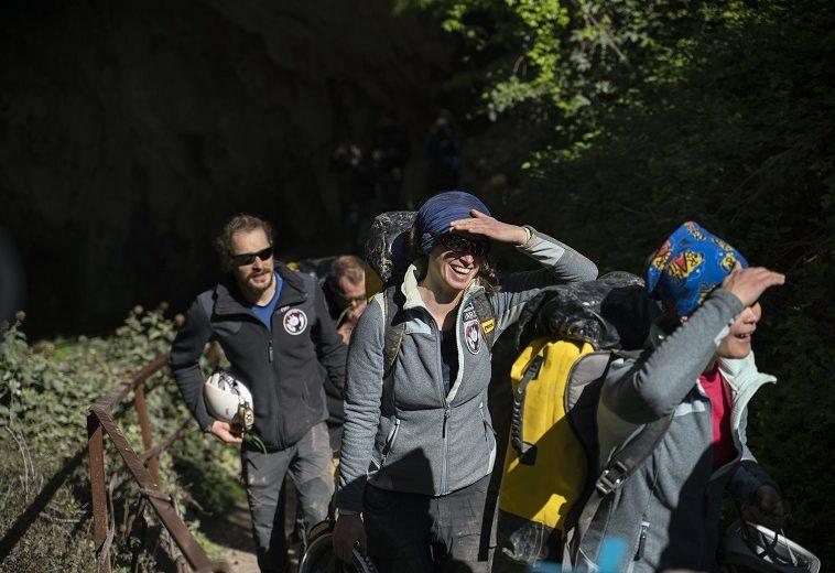 Добровольцы провели 40 дней в пещере