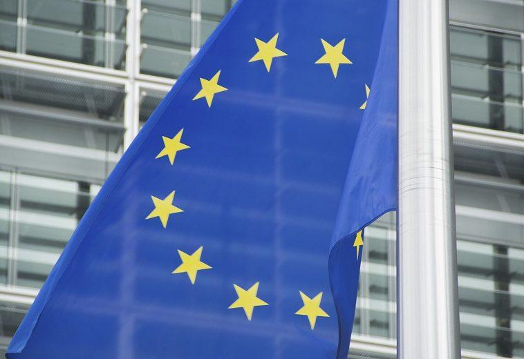 Евросоюз принял закон, который требует удалять террористический контент за час