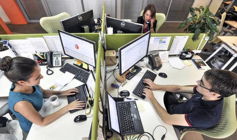 Forbes: в России резко выросли спрос на IT-специалистов и их зарплаты