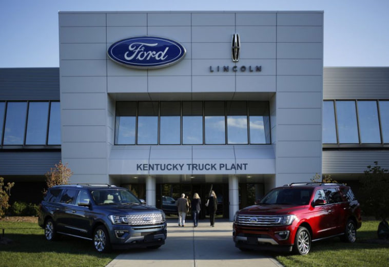 Ford сокращает производство автомобилей на шести заводах в США из-за нехватки чипов