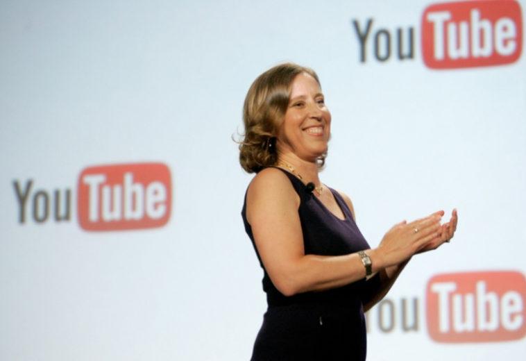 Гендиректор YouTube получила награду «Свобода выражения», которую спонсировал YouTube