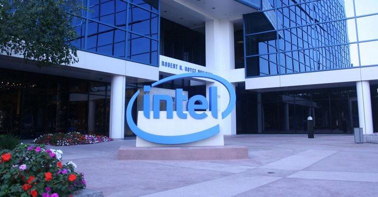 Intel ведет переговоры о производстве чипов для автомобильной промышленности
