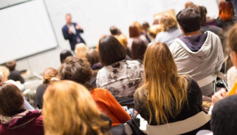 Минцифры: законопроект о просветительской деятельности коснется организаций образования и науки