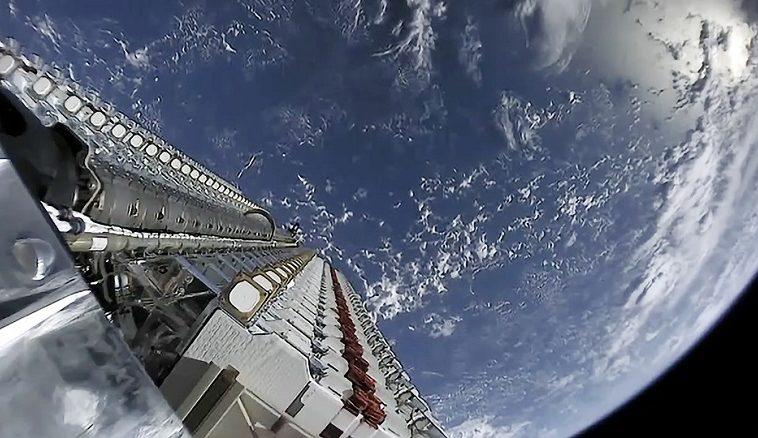 Регулятор разрешил SpaceX снизить высоту полёта спутников Starlink, чтобы улучшить производительность сети