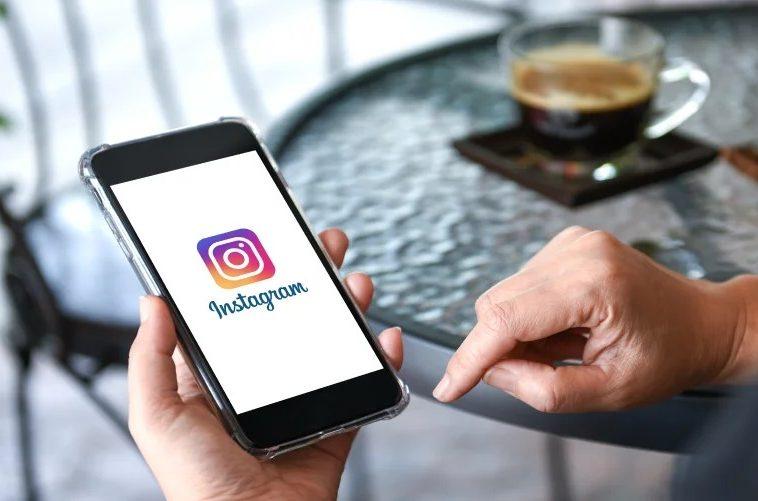 Роскомнадзор потребовал от Facebook снять ограничения на гимн России в Instagram