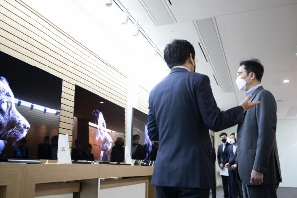 Samsung будет закупать у LG OLED-панели для телевизоров. Впервые в своей истории