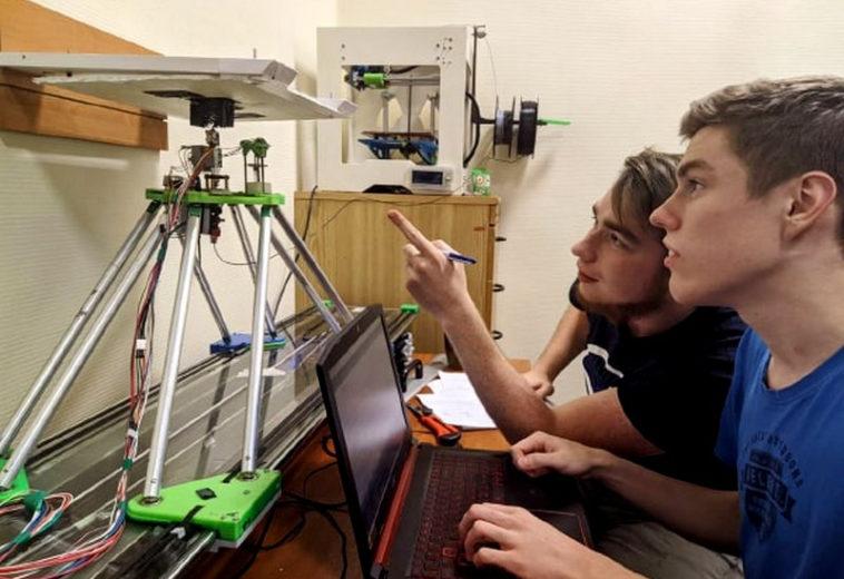 В НИУ «МЭИ» представили 3D-принтер для печати деталей самолетов и кораблей