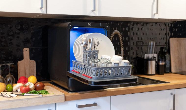 Хакер в целях экономии взломал DRM на кассетах мини-посудомойки