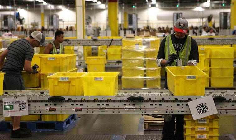 Менеджеры Amazon: сотрудников приходится нанимать для увольнений, чтобы поддержать текучку