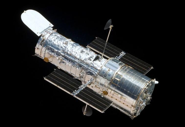 НАСА включило старый компьютер «Хаббла», но телескоп всё ещё не работает