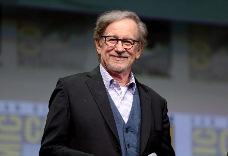 Netflix заключила договор на несколько фильмов Стивена Спилберга, который ранее критиковал стриминг