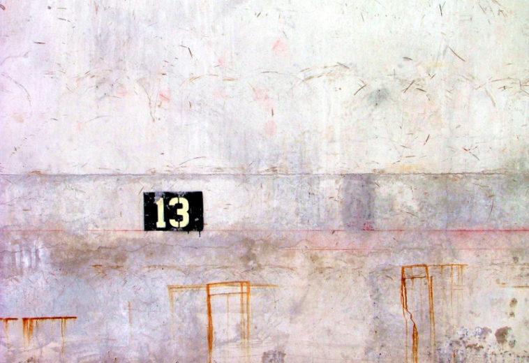 Опрос: каждый пятый пользователь Apple готов отказаться от iPhone 13 из-за суеверий