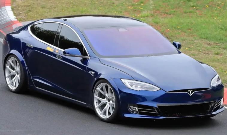 Tesla отменила производство электромобиля Model S Plaid Plus