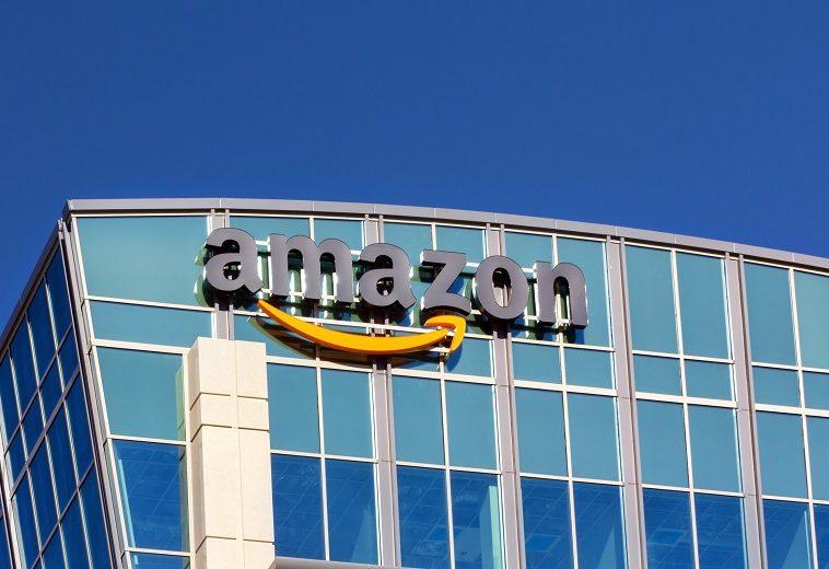 Amazon приобрела команду спутниковой связи Facebook