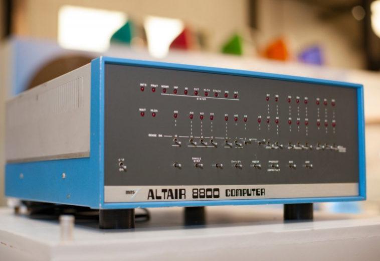 Microsoft представила эмулятор Altair 8800 на оборудовании для работы с Azure Sphere