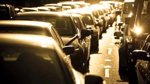 На дорогах США испытывают новые химикаты для решения проблем с жарой и вредными выхлопами