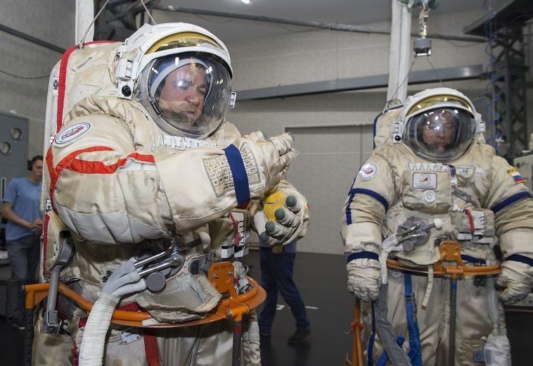 У скафандров на МКС заканчивается гарантия, но «Роскосмос» обещает найти нового производителя