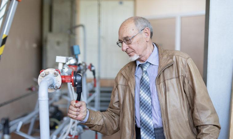 Ученые из УрФУ предложили использовать метанол в выработке энергии для электромобилей