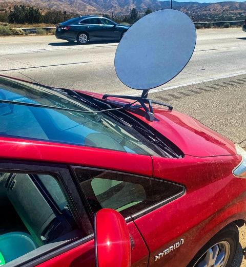 В Калифорнии водителя оштрафовали за установку тарелки SpaceX Starlink на автомобиль