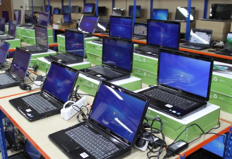 В России за первое полугодие 2021 года продажи ноутбуков упали на 15 %